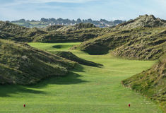 Links golf hole with large sand dunes Royalty Free Stock Photos