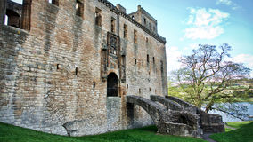 Linlithgow slott nära Edinburg i Skottland Royaltyfri Foto