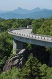 Linn Cove Viaduct Bends in de Zomer royalty-vrije stock foto