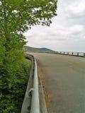 Linn Cove Viaduct su Ridge Parkway blu immagine stock libera da diritti