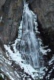 Linndalsfallet瀑布在Amotan峡谷,Trollheimen国立公园在挪威 免版税库存图片