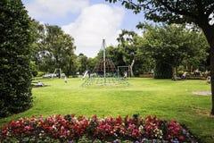 Linowa Wspinaczkowa rama w parku w targowym miasteczku Sandbach Anglia Obraz Royalty Free