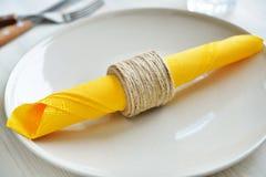 Linowy DIY serviette pierścionek Zdjęcie Royalty Free