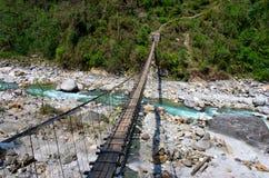 Linowy wiszący zawieszenie most zdjęcia stock