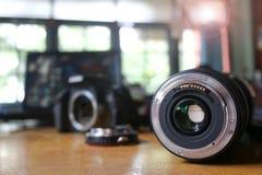 Linse und Adapter für verwendet mit Kamera Lizenzfreie Stockbilder