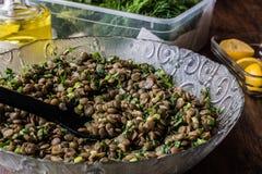 Linsen-Salat in einer Glasschüssel Lizenzfreie Stockbilder