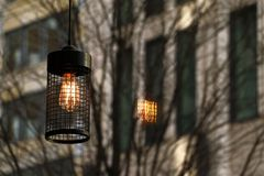 Linterna de la iluminación en un café Fotos de archivo