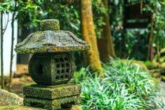 Linterna de la piedra de Toro Imagenes de archivo