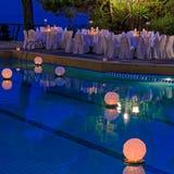 Linterna del agua en la piscina Fotos de archivo