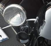 Linterna delantera de un coche retro Imagen de archivo libre de regalías