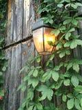 Linterna en granero imagen de archivo libre de regalías