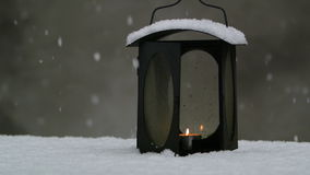 Linterna en la nieve almacen de video