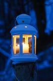 Linterna en nieve Foto de archivo libre de regalías