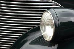 Linterna y parrilla clásicas del coche Imagen de archivo libre de regalías