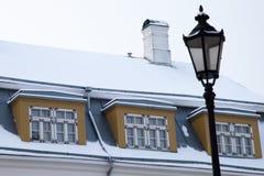 Linterna y ventanas viejas Imágenes de archivo libres de regalías