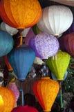 Linternas colgantes, Hoi, Vietnam imagenes de archivo