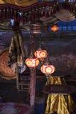 Linternas coloridas encendidas en la noche Fotos de archivo libres de regalías