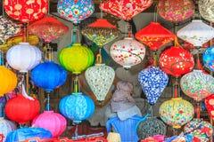 Linternas de Asia en pequeña tienda fotos de archivo libres de regalías