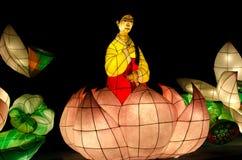Linternas de la ejecución del día de Corea Lotus Lantern Festival de la azada de Yeon Deung anaranjadas Foto de archivo