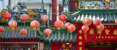 Linternas de la ejecución en las pagodas chinas fotografía de archivo libre de regalías