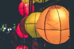 Linternas de la ejecución en un festival ligero en la isla de Bali, Indonesia Imagen de archivo