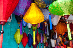 Linternas de seda vietnamitas tradicionales Fotografía de archivo libre de regalías