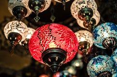 Linternas en el bazar del gran Foto de archivo