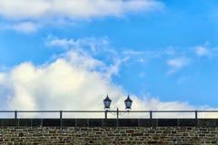 Linternas en el puente Foto de archivo libre de regalías