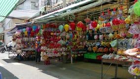 Linternas para la venta en la calle en Vietnam metrajes
