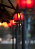 Linternas rojas en fila Imagenes de archivo