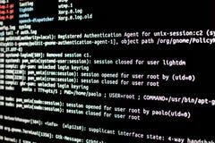 Linux serverkontroll Analys av legitimationsjournalmappar i ett operativsystem royaltyfri bild