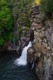 Linville瀑布从上面 免版税库存照片