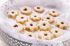 Linzer Augen - biscuits de Noël Photographie stock
