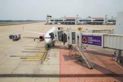 Lion Air Plane tailandês aterrado em Don Mueang International Airport Imagens de Stock Royalty Free