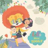 Lion drôle étreignant des enfants Bonjour aventures Été magique illustration stock