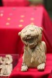 lion en ivoire, civilisation assyrienne Image libre de droits