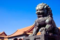 Lion en pierre Photographie stock libre de droits