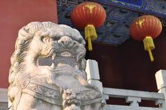 Lion en pierre Image stock