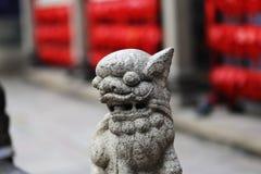 Lion en pierre Photos libres de droits