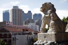 Lion en pierre antique Images libres de droits