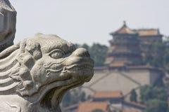 Lion en pierre asiatique Photo libre de droits