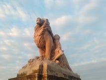 Lion et princesse Photographie stock libre de droits