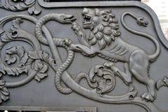 Lion et serpent Le Roi Cannon à Moscou Kremlin Photographie stock libre de droits