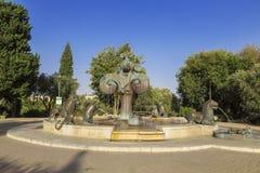 Lion Fountain del escultor Gernot Rumpf en el parque de Bloomfield, Jerusalén Foto de archivo