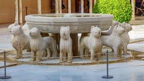 Lion Fountain famoso in Alhambra Palace, Granada immagine stock libera da diritti