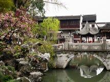 Lion Grove Garden, en klassisk kinesträdgård och del av Unesco-världsarvet i Suzhou fotografering för bildbyråer