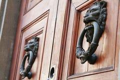 Lion Head Doorknockers fotos de archivo