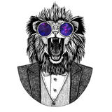 Lion Hipster djur hand dragen bild för tatueringen, emblem, emblem, logo, lapp, t-skjorta Royaltyfri Foto