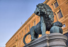 Lion King statue. Leo guarding the royal palace Royalty Free Stock Photography