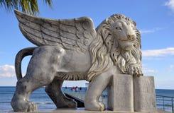 lion påskyndade venice Royaltyfria Bilder
